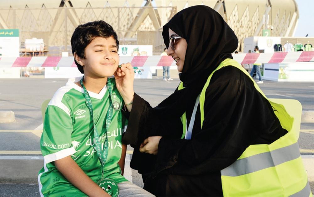 المشجعات لـ  المدينة  : شكرًا للقيادة..  والملعب احترم خصوصية المرأة السعودية