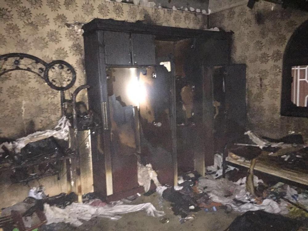 السيطرة على حريق شبّ بأحد المنازل إثر تماس كهربائي في نجران