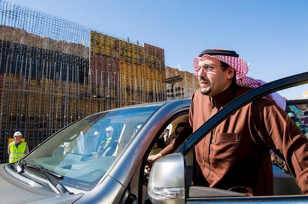 الأمير فيصل بن مشعل يتفقد عدداً من المشاريع ببريدة