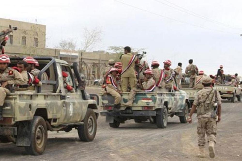 الجيش اليمني يفكك متفجرات وصواريخ موجهة في مناطق محررة بصعده