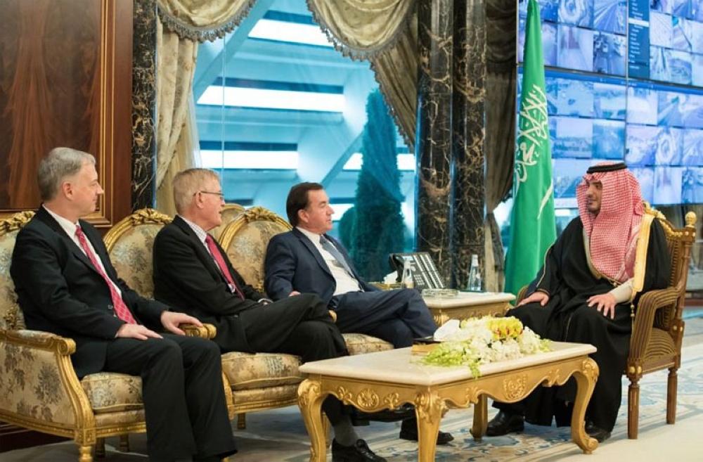 وزير الداخلية يستقبل رئيس لجنة الشؤون الخارجية في مجلس النواب الأمريكي