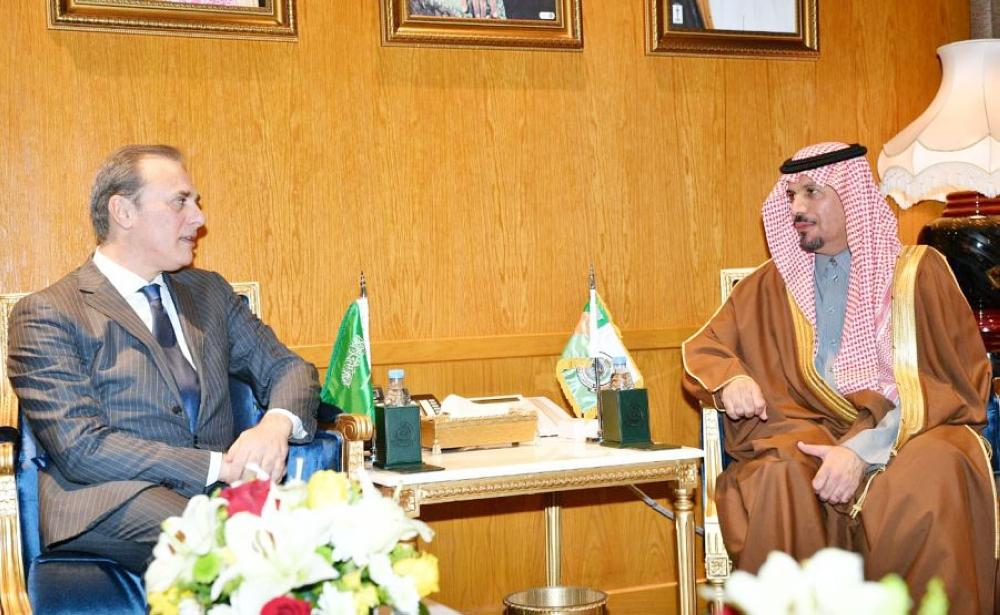 سمو وزير الحرس الوطني يوقّع عقد استكمال مشروع