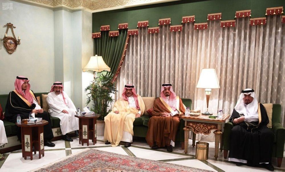 أميرعسير يستقبل المعزين بجدة في وفاة الأمير بندر بن خالد