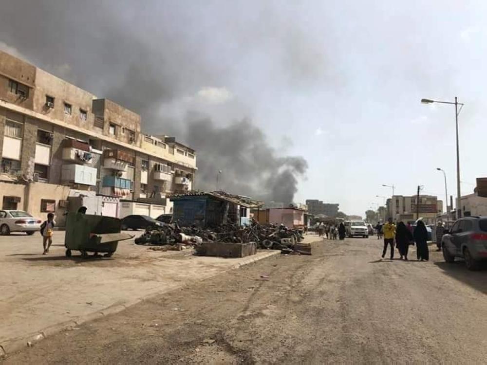 «عدن»: قتلى وجرحى في انفجار.. وداعش يتبنى