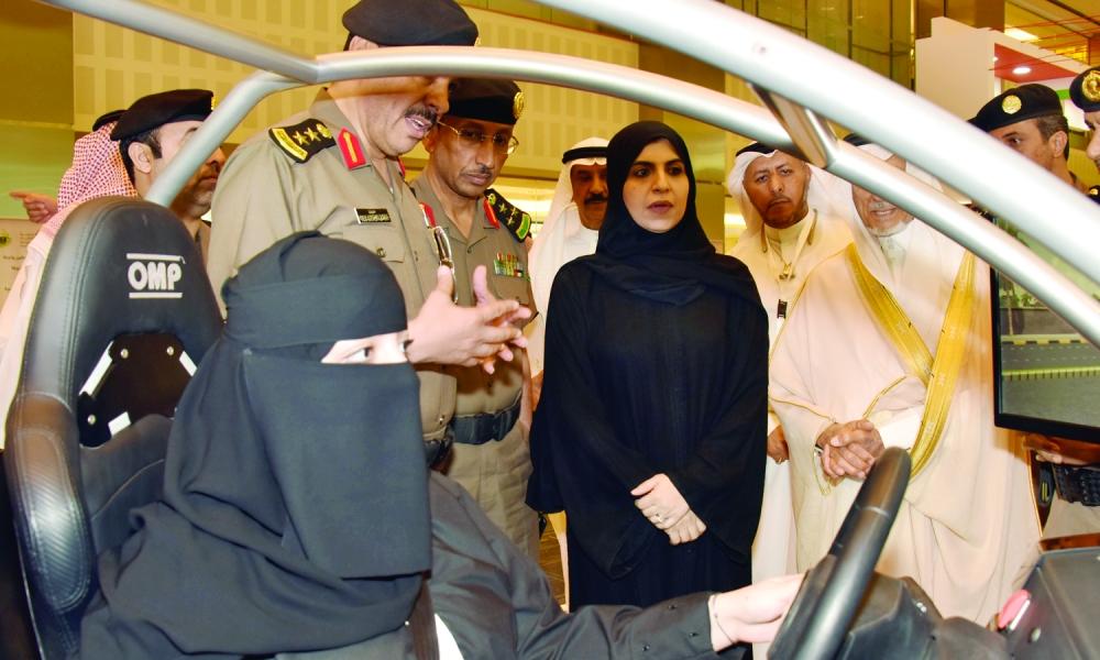 الرماح: قرار قيادة المرأة للسيارة مهم.. و»ليس إلزاميًا»