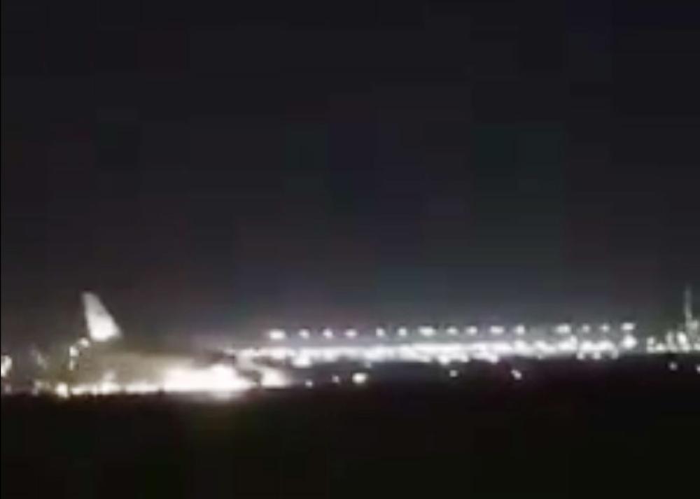 الخطوط السعودية توضح ملابسات الهبوط الاضطراري لطائرتها في مطار جدة