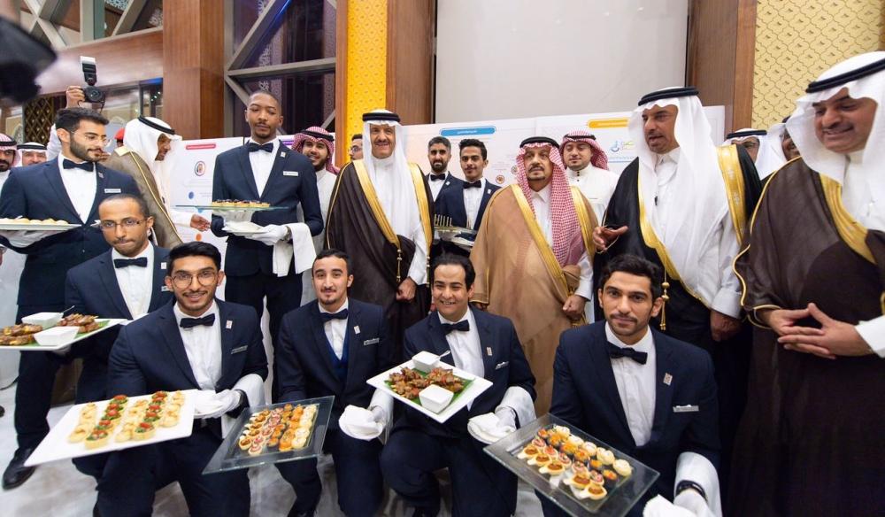 طهاة سعوديون ومقدمي طعام لسلطان بن سلمان: شكراً بحجم السماء.. أنت الأب الروحي لمن يعمل في قطاع السياحة