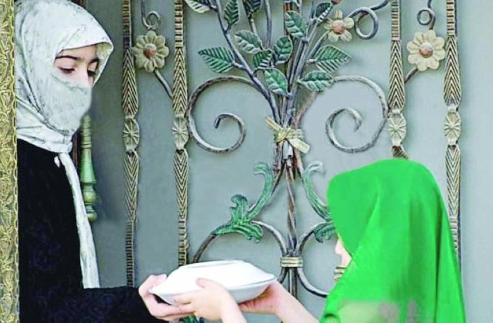 «صينية الجيران».. تقليد شعبي يحييه الأحسائيون في رمضان