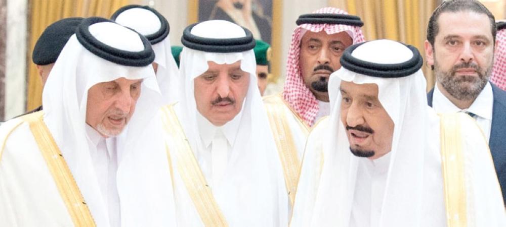 خادم الحرمين يؤدي صلاة العيد في المسجد الحرام ويستقبل المهنئين بقصر الصفا - المدينة