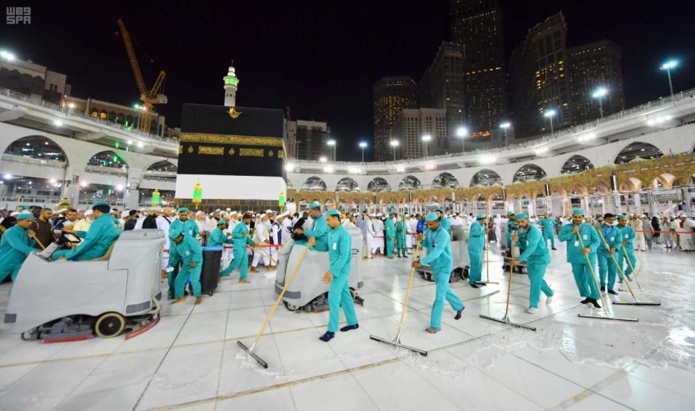 558ff9f5acba0 رئاسة شؤون الحرمين تنفذ خطة لتطهير وتعطير المسجد الحرام - المدينة