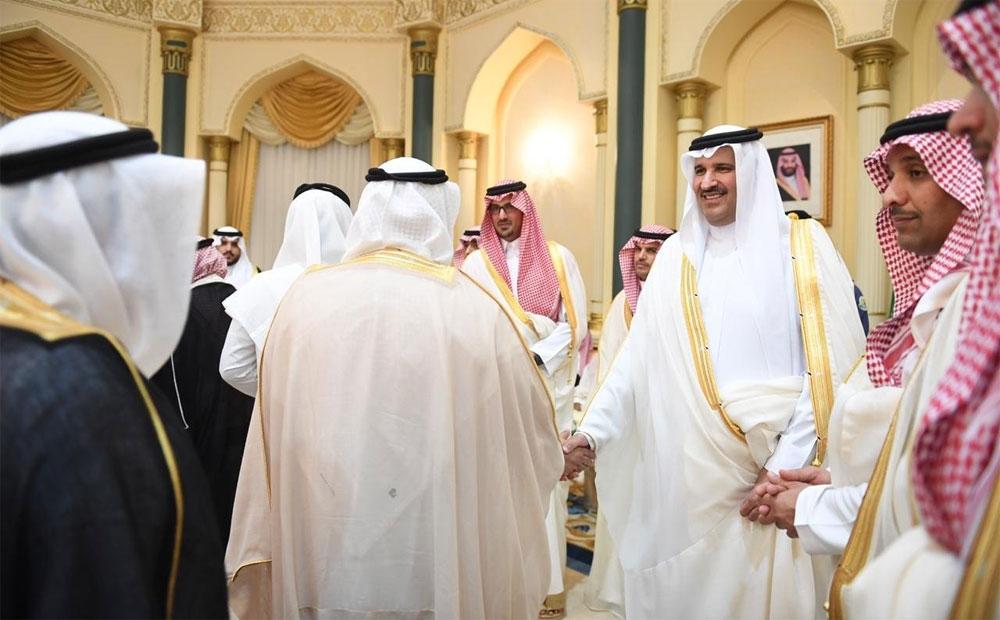 أمير المدينة المنورة يستقبل المهنئين بعيد الفطر المبارك