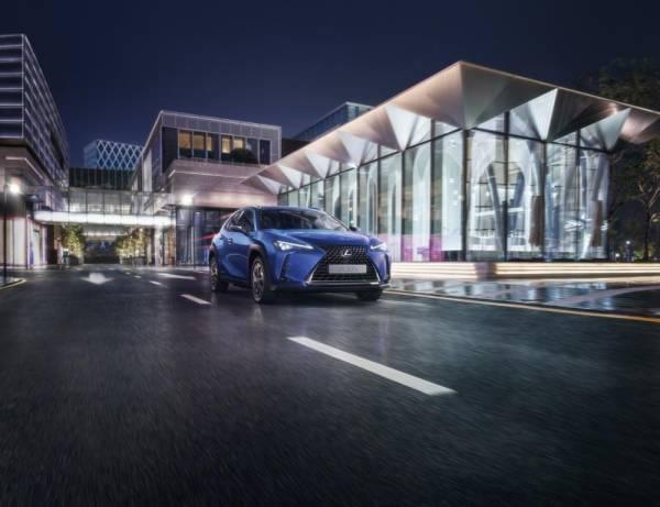 صورة لكزس تقدم تجربة إستثنائية وحلول متكاملة لسيارتها الكهربائية UX 300e