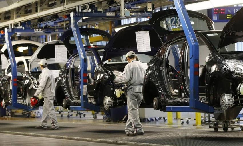 صورة صناعة السيارات في خطر.. نقص حاد في الرقائق