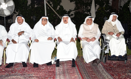آل ناظر بجدة يستقبلون آخر المعزين في فقيدهم الوزير هشام المدينة